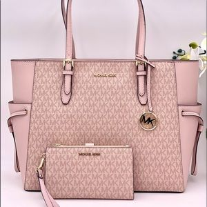 Michael Kors Large Gilly Tote and Wallet Set Pink